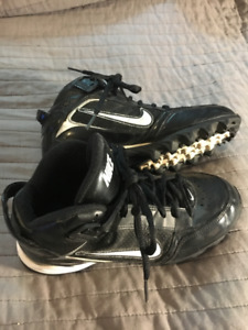 Youth Boys Size 3 Nike Land Shark Baseball Cleat Shoes