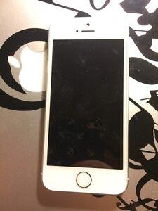 iPhone 5S à vendre pour les pièces  West Island Greater Montréal image 2