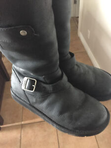 UGG BOOTS - WORN A COUPLE OF  TIMES - IN EXCELLENT CONDITION!!
