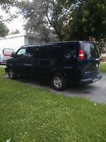 2007 Chevrolet Express 1500 Minivan, Van