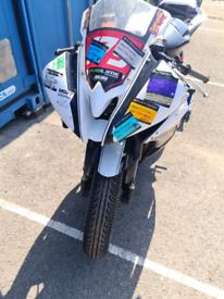 R6 track bike v5 present