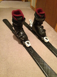 EUROPEAN MADE WOMEN'S SKIS AND BOOTS size 25.5 $185