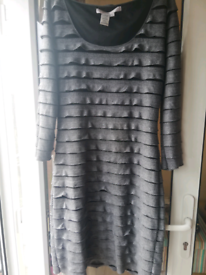 Lovely black and silver/grey dress 👗