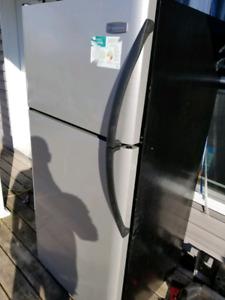 Fridgidaire fridge