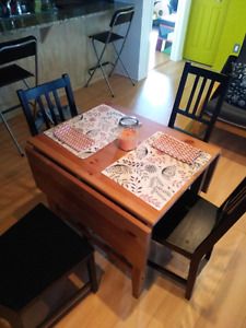 Ikea foldable table and 4 chairs