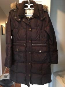 Bon manteau d'hiver chaud et propre  grandeur petit