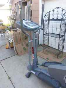 Sportcraft 600  elliptical trainer  Sarnia Sarnia Area image 1