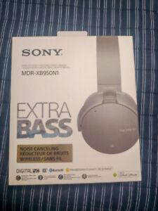 Brand New Sony Headphones!! Discounted to move! Read Details!