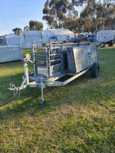 Mobile sheep yards