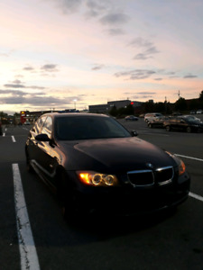 BMW 328xi all wheel drive $$ black beauty $$