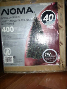 NEW! NOMA Artificial Christmas Tree 7.5' with 400 Mini-Lights