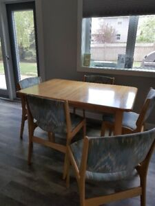Pine table, 5 chairs and matching hutch for sale. Good shape