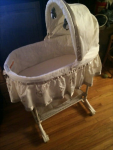 Baby bassinet 2 in 1