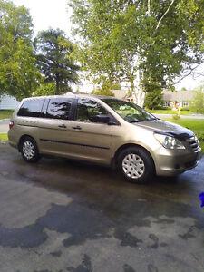 2005 Honda Odyssey LX  air mvi march 2007 $3300or trade 863-3431