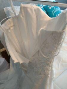 Incredibly Beautiful Wedding Dress