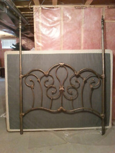 Ornate metal queen size bed!!