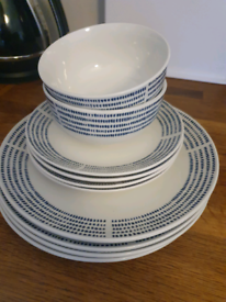 Free blue and white plates and bowls set