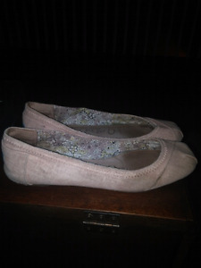Toms flats size 9