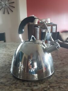 Paderno Whistle Kettle stainless steel 18/10