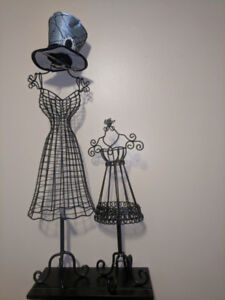 Jewellery holder mini mannequins