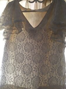 3 beautiful dress in excellent condition London Ontario image 8
