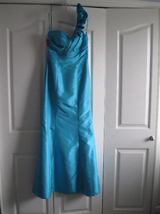 Grad or Bridesmaid Dress Tourquoise Size 8 New
