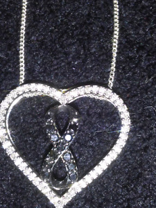 Michael hill floating heart necklace 150