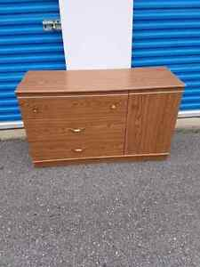 Long resser 3 drawers with side door