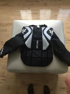 Senior chest protector for road hockey