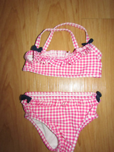 EUC babyGAP size 3 bathing suit