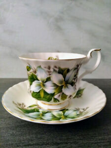 Royal Albert White Trillium