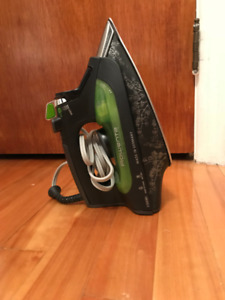 Pre-owned Eco intelligent clothing iron from Rowenta