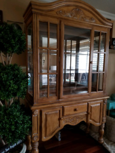 Just Reduced Price - Beauiful Display cabinet
