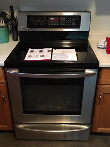 LG Electric Range & Convection Oven