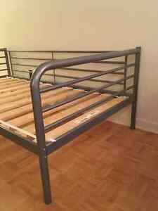 Twin day bed