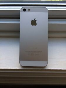IPhone 5S - Silver & White - Factory Unlocked - 16Gb - Like New
