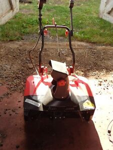 ELECTRIC SNOWBLOWER NEVER BEEN USED