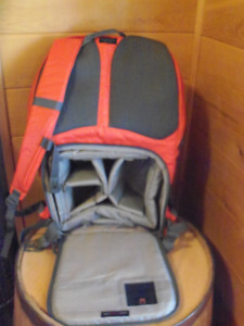 LowePro 22L camera backpack/Sac a dos LowePro 22L pour camera