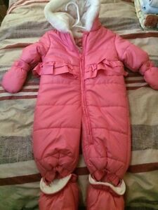 Baby girls clothing and more!
