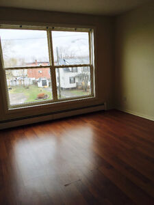 1 Bedroom Available Immediately - First Month FREE