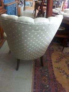 ANTIQUE WING BACK ARM CHAIR London Ontario image 2