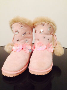 Warm winter boots Dawgs size 12(30)