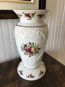 Vase Royal Albert Old English Roses