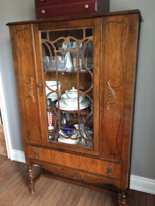 Antique Furniture Dining table and chairs, hutch and buffet