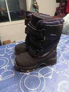 Size 7 Thinsulate winter boots** Like New**