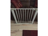 Safety stair baby gate