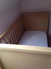 Kub cot bed and mattress