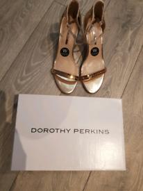 Dorothy perkins size 7 heels