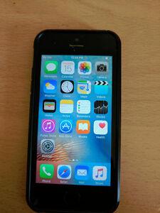 16gb Fido Locked iPhone 5s