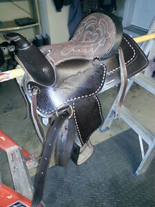 Childs western pony saddle 12 inch synthetic London Ontario image 1